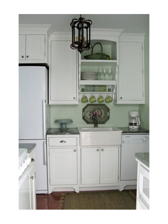 Traditional Small Kitchen Kitchen Design Ideas, Remodels & Photos