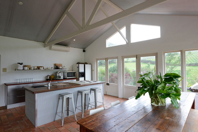 My Houzz: 140 year old mud brick home - Farmhouse - Kitchen - Adelaide - by Jeni Lee