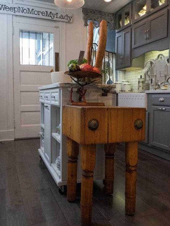 Urban farmhouse kitchen design ideas remodels photos for Urban farmhouse kitchen