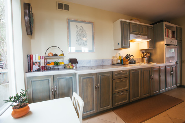 My Houzz: Comfortable With a Hint of Glam transitional-kitchen