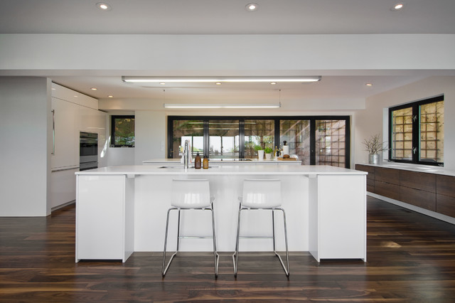 My houzz david moderne cuisine salt lake city par for Kitchen colors with white cabinets with porte papiers femme