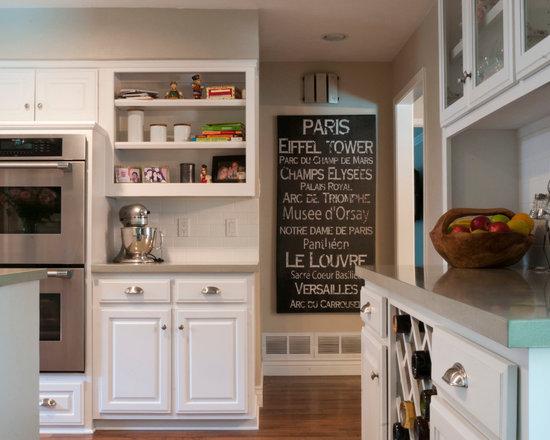 Paris theme kitchen design ideas remodels photos for Paris themed kitchen ideas