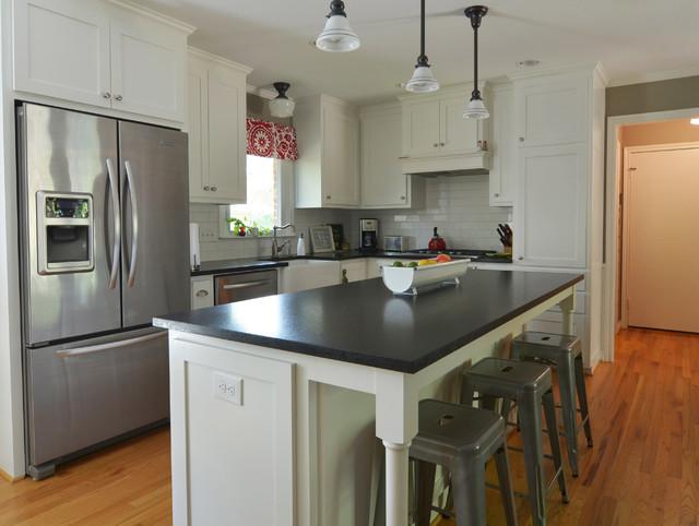 Dallas, TX: Ryan and Erin McLaughlin - Traditional - Kitchen - Dallas - by Sarah Greenman