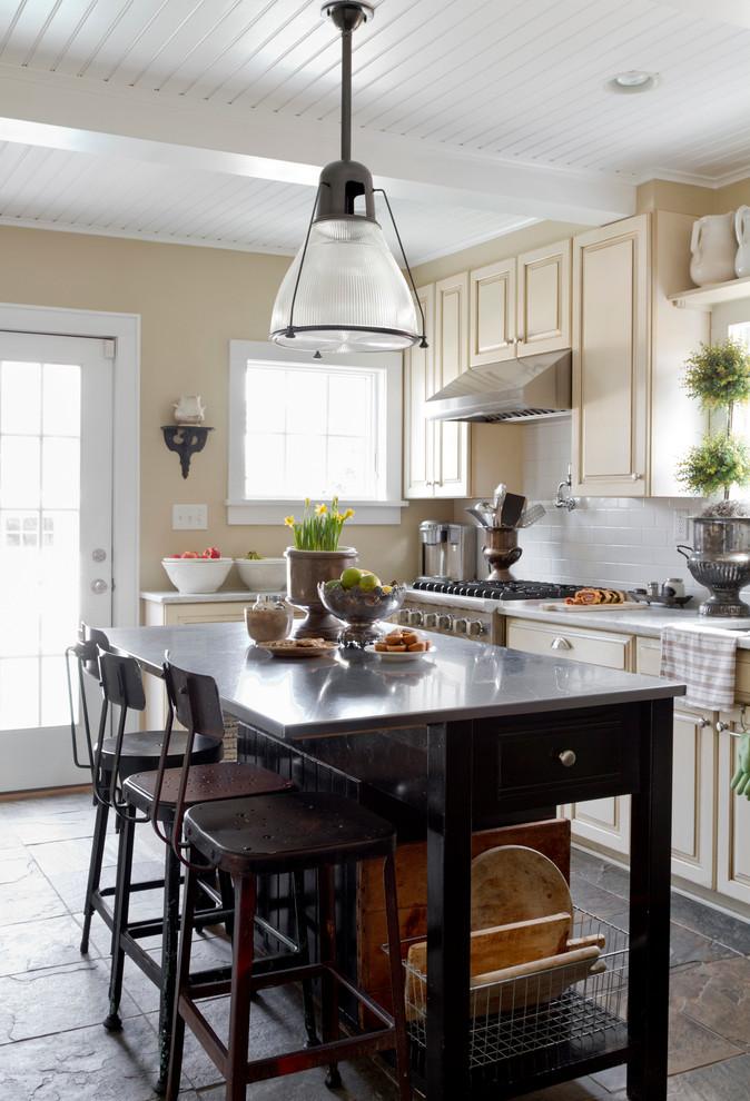 Kitchen - eclectic kitchen idea in New York