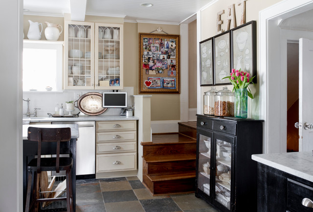 My Houzz: Relaxed, Classic and Collected in New Jersey eclectic-kitchen