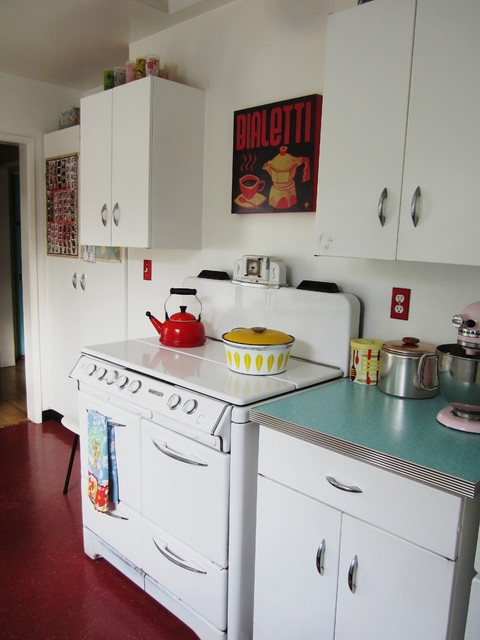 My Houzz: Thrifty Flourishes Give a '50s Home Retro Appeal - Eclectic - Kitchen - Los Angeles