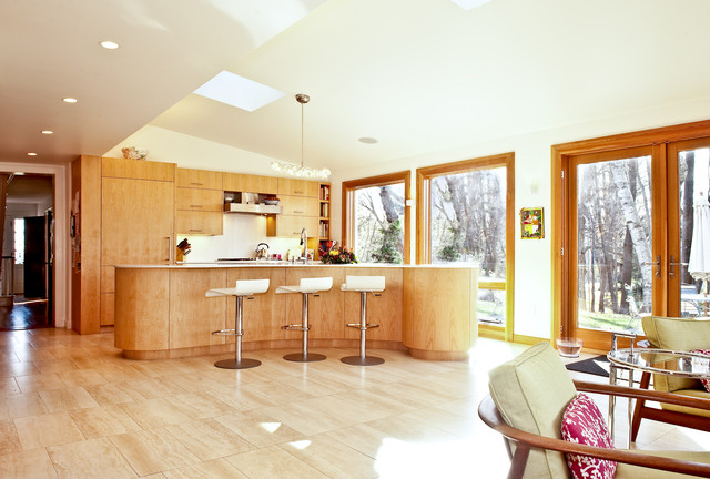 My Houzz: Updated Federal-Style in Massachusetts traditional-kitchen
