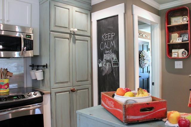 my houzz vintage farmhouse style farmhouse kitchen. Black Bedroom Furniture Sets. Home Design Ideas