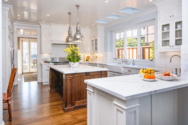 Nantucket traditional-kitchen