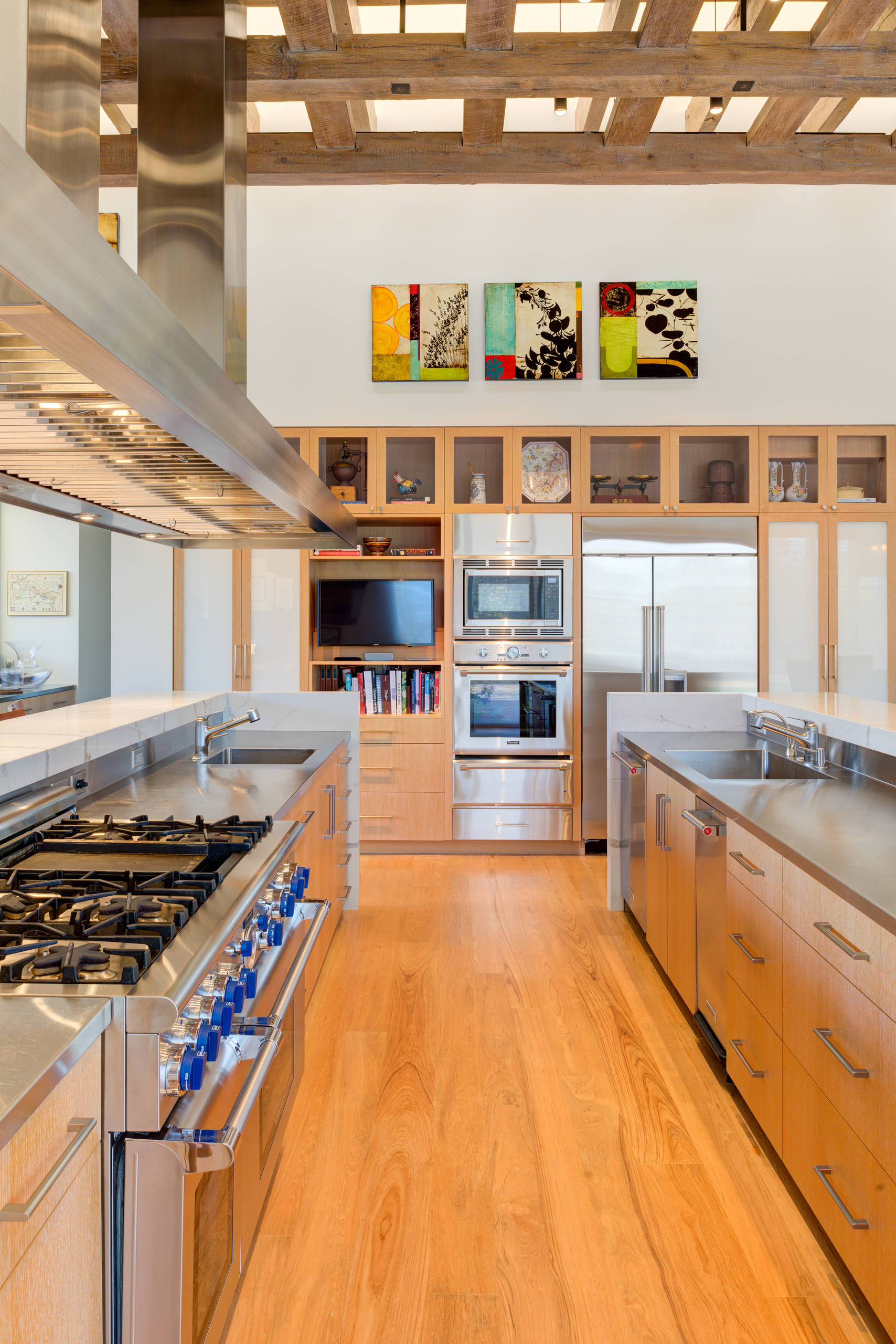 75 Beautiful Kitchen With Stainless Steel Countertops Pictures Ideas April 2021 Houzz