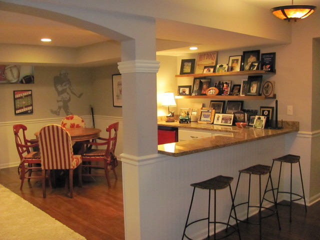 Naperville Mancave Traditional Kitchen Chicago By Lellbach Builders