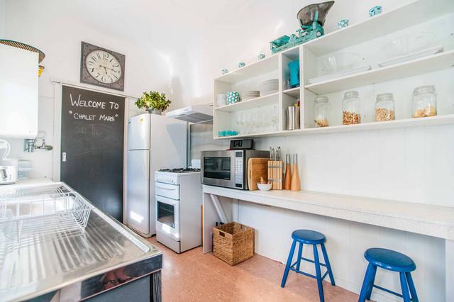 Narrabeen beach house makeover beach style kitchen for Beach style kitchen makeover ideas