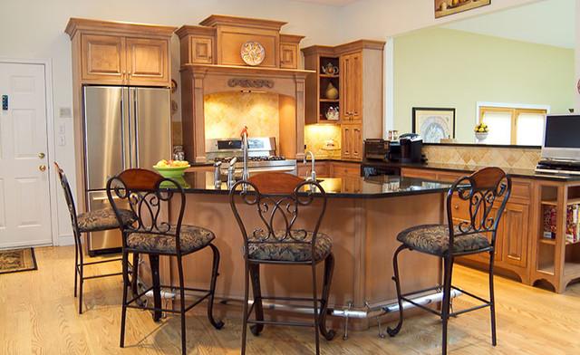 Natick, MA - Traditional Kitchen traditional-kitchen