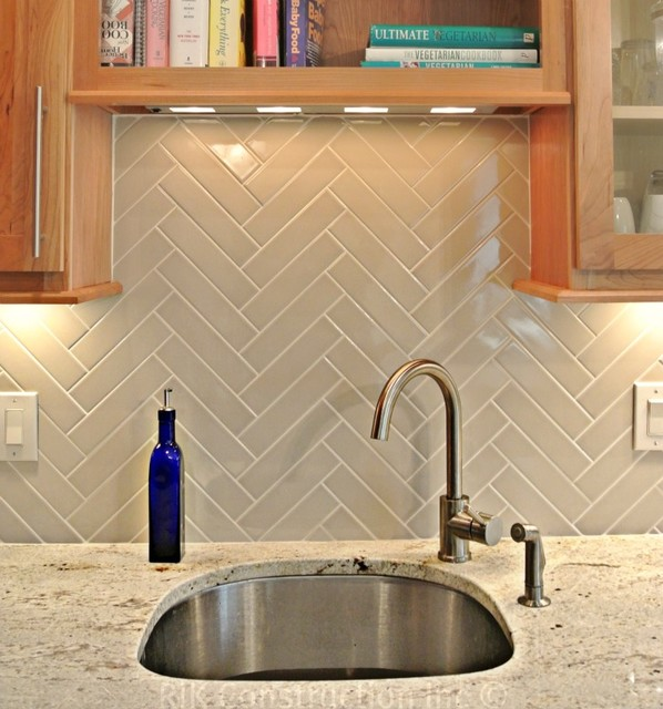 Natural Kitchen With Herringbone Back Splash Modern