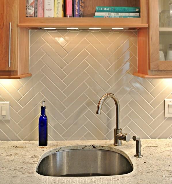 Natural Kitchen With Herringbone Back Splash Modern Kitchen