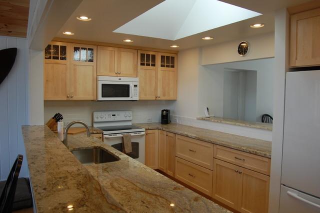 Natural Maple Shaker Kitchen - Craftsman - Kitchen ...
