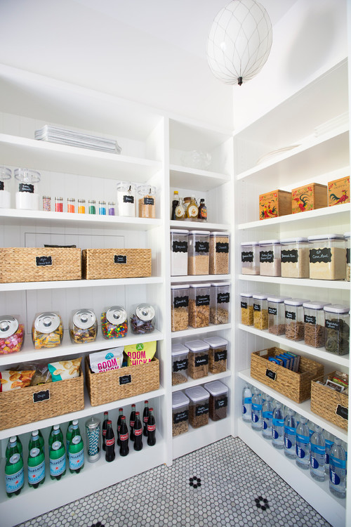 There's nothing like an organized pantry, these tips will help you create the pantry of your dreams! #pantry #pantryorganization