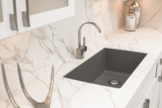 Inspiration For A Contemporary L Shaped Porcelain Floor And Gray Kitchen Remodel In Richmond