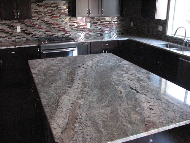 Netuno Bordeaux Granite On Cherry Espresso Cabinetsmodern Kitchen