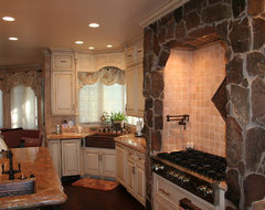 Neumann traditional-kitchen