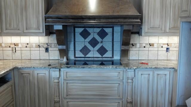 Neutral color  diamond design tile work traditional-kitchen