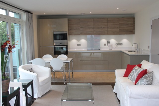 New build flat Contemporary Kitchen London by Country