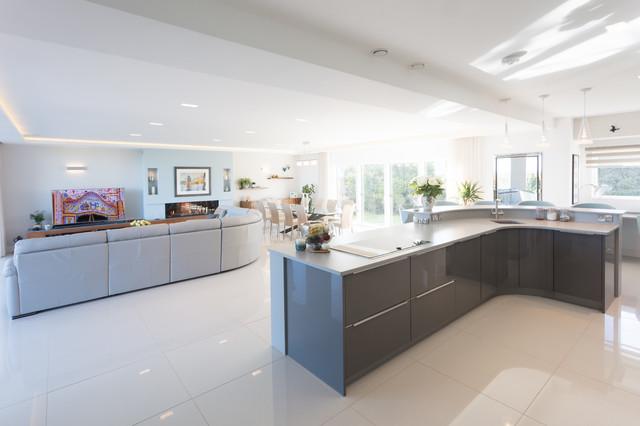 New build 39 grand designs 39 family home contemporary for Grand design kitchen ideas