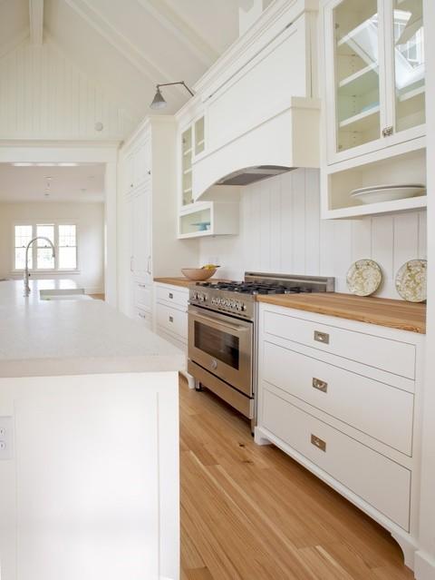 New England Farmhouse Kitchen