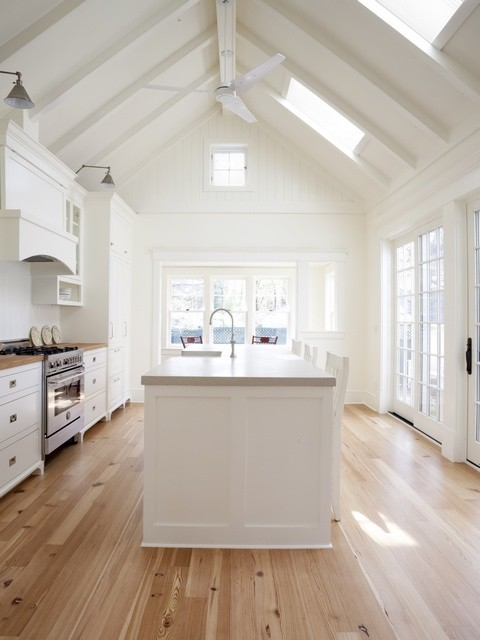 New England Farmhouse Kitchens