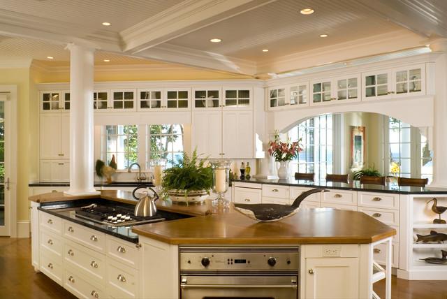 new england island home bord de mer cuisine boston par samyn d elia architects p a. Black Bedroom Furniture Sets. Home Design Ideas