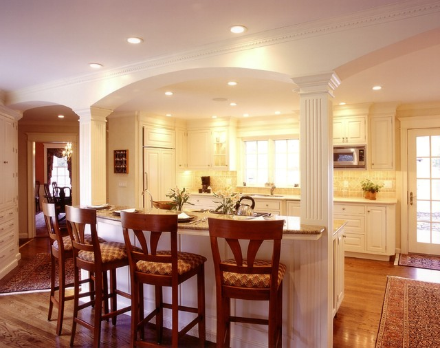 New England traditonal traditional-kitchen