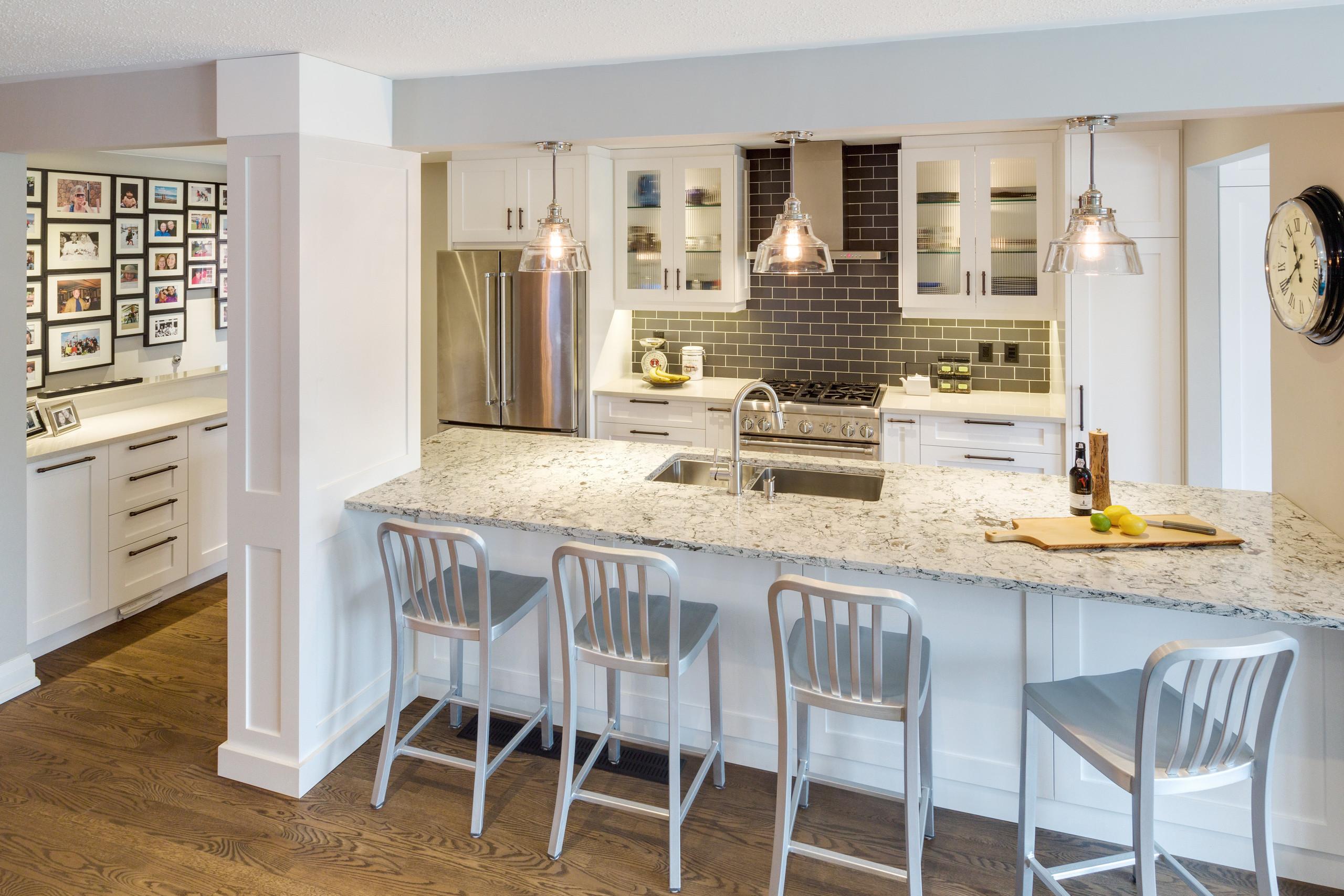 New kitchen bar - After