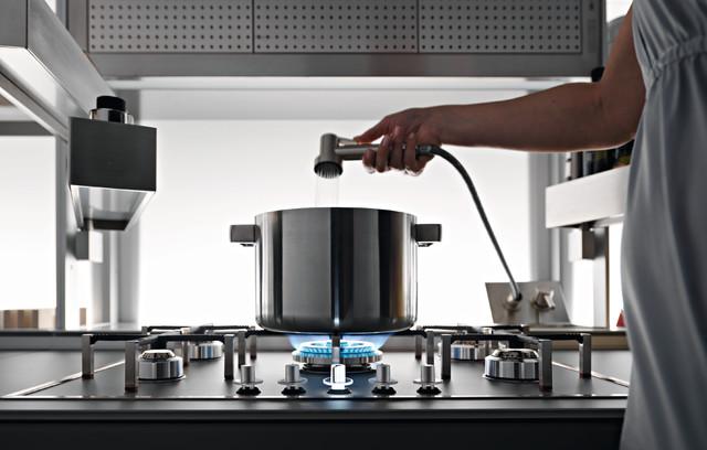 New Logica System - Modern - Kitchen - Venice - by Valcucine