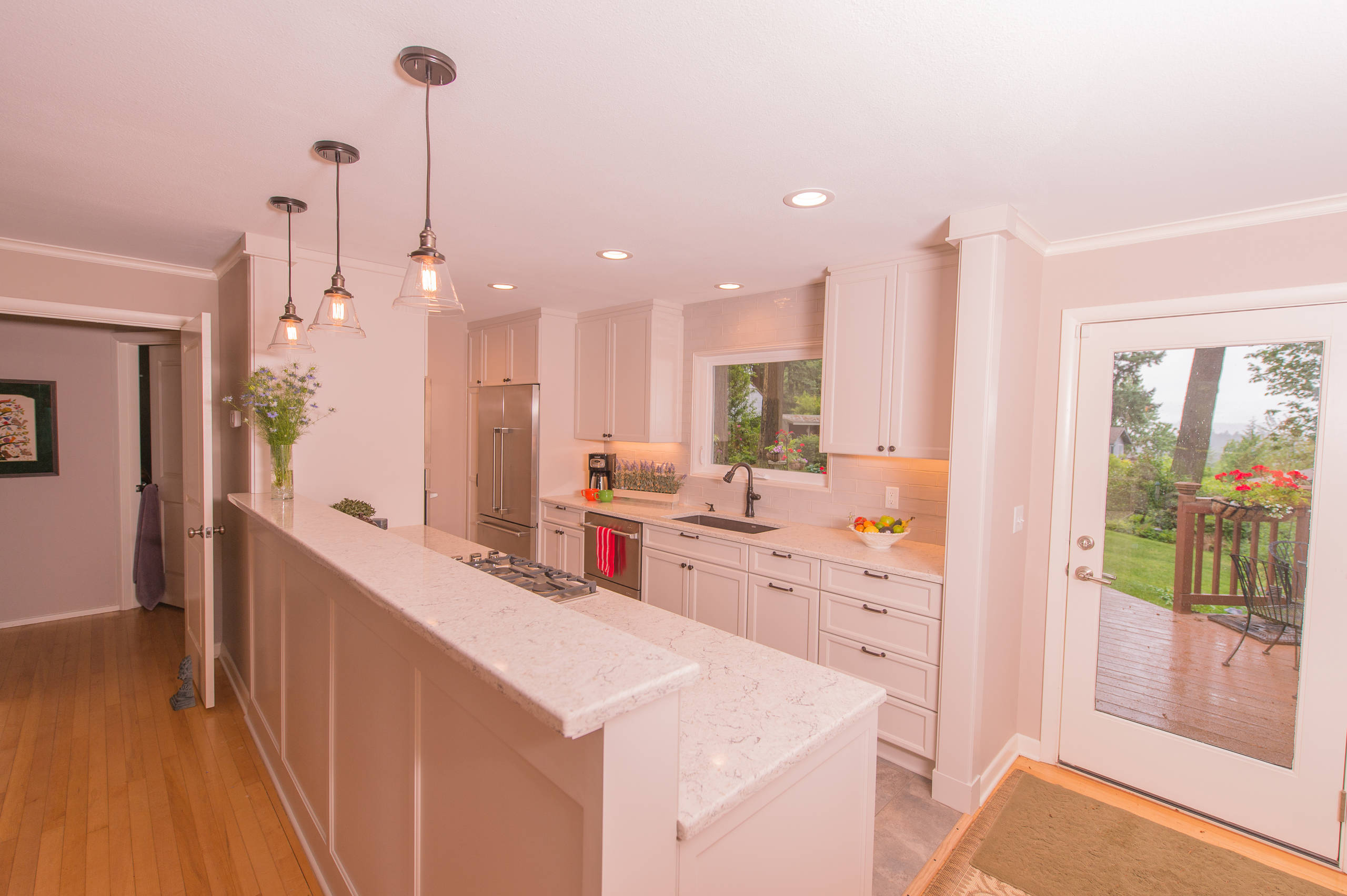 75 Beautiful Pink Kitchen With Marble Countertops Pictures Ideas December 2020 Houzz