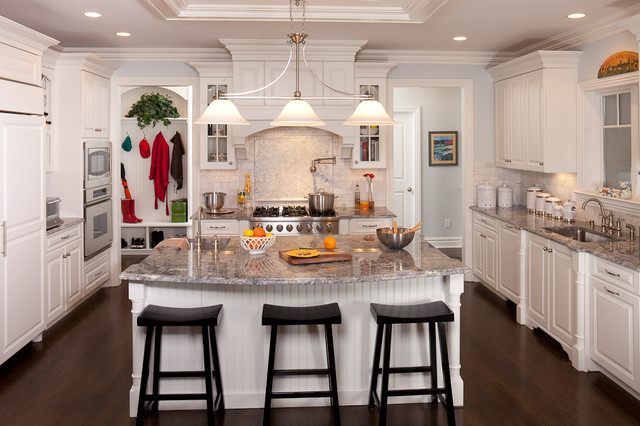 New Traditional Grand Kitchen Kitchen New York By American International Designs Inc