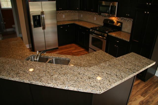 Kitchen Backsplash With New Venetian Gold Granite