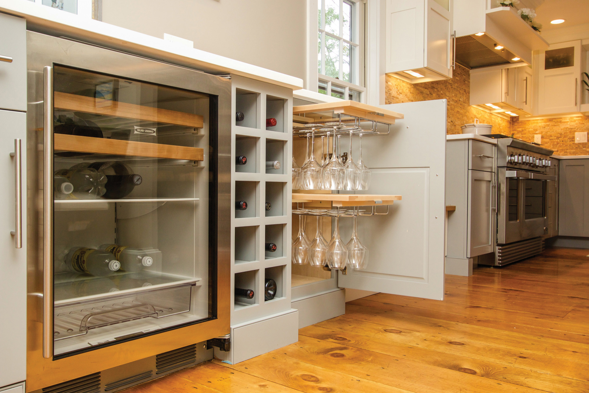 Newburyport Contemporary Kitchen