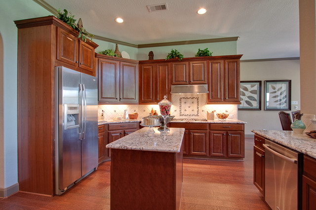Newmark Homes - Pampered Chef - Mayfield traditional-kitchen