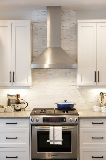 Nfid cottage casual contemporary kitchen calgary for Kitchen designs calgary