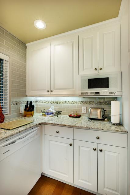 Nice Little Kitchen Traditional Kitchen Sacramento By D J Kitchens And Baths Inc