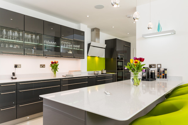 Nobilia High Gloss Anthracite Kitchen With Long Handle Contemporary Kitchen
