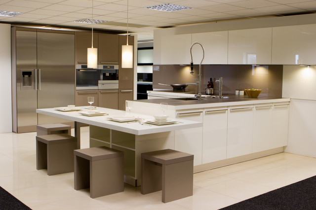 nolte showroom display contemporary kitchen cornwall. Black Bedroom Furniture Sets. Home Design Ideas