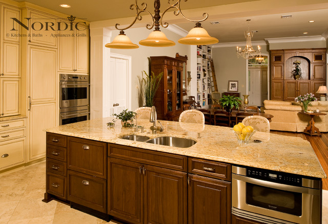 Nordic - Traditional traditional-kitchen