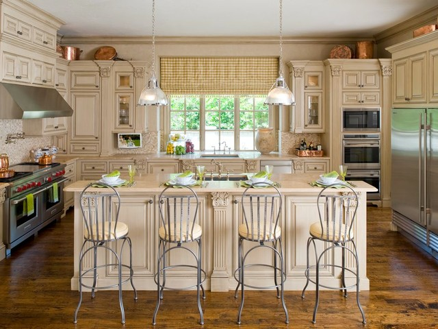 Normandy {Highland Park} traditional-kitchen