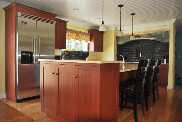 North Andover, Massachusetts kitchen - Traditional - Kitchen - boston - by Heartwood Kitchens