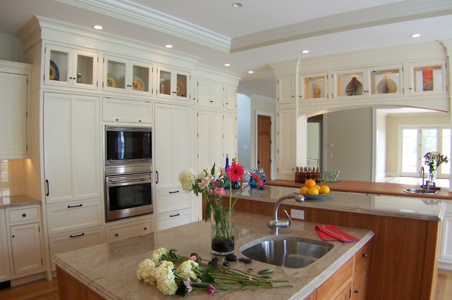 North Bay traditional-kitchen