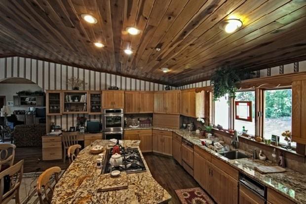 Nesbitt kitchen traditional-kitchen