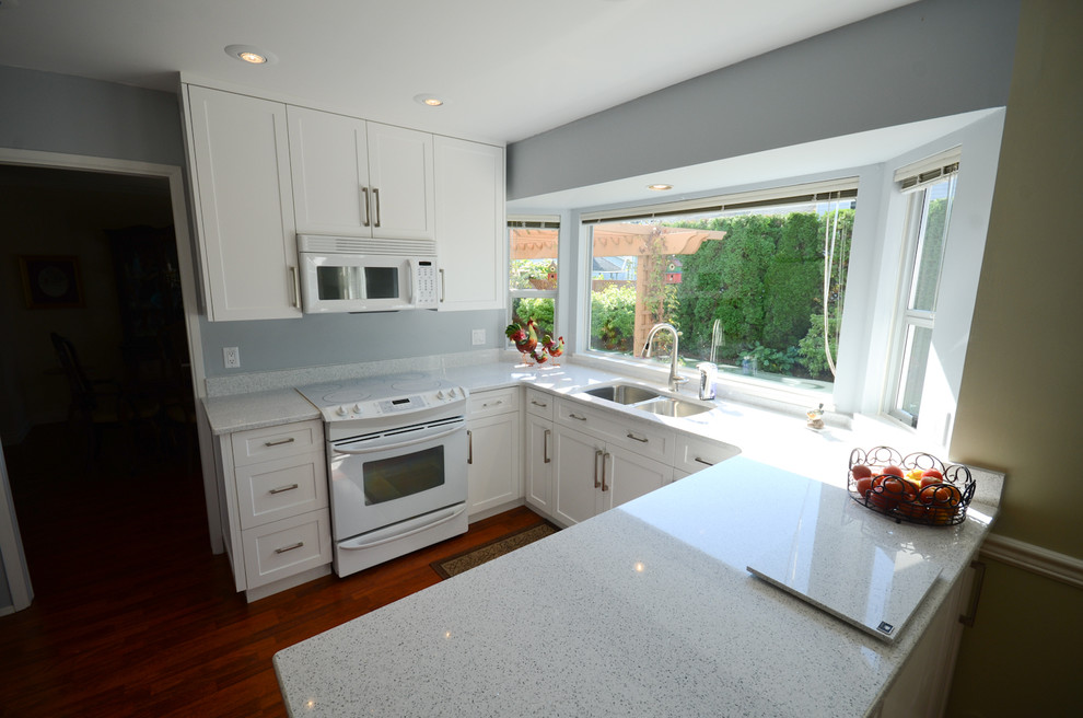 Kitchen Vancouver By Elite Kitchens, All Wood Kitchen Cabinets Surrey Bc