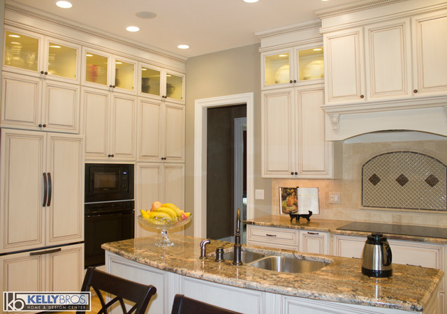 Northern Kentucky New Construction Traditional Kitchen