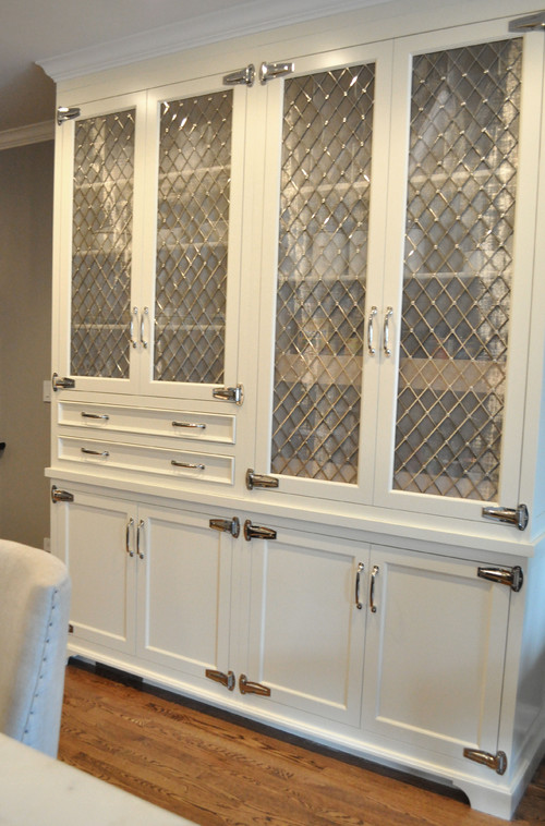 What Type Of Cabinet Door Do You Use For The Strap Hinges?